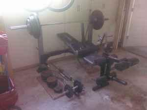 Like New Weider Pro 240 Weight Bench Weights Amp Bars