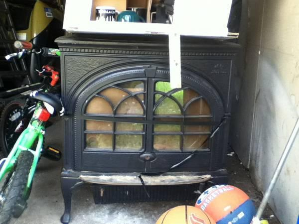 Norweigan Wood Stove Jotul F600 Firelight For Sale In