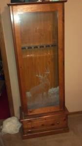 Oak Gun cabinet w deer etched in glassLIKE NEW