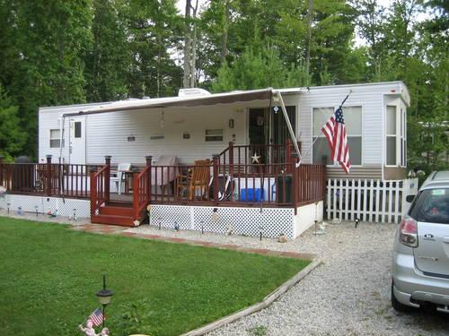 Park Model  2005 BRECKENRIDGE 844 SB  triple slide out for Sale in Alton New Hampshire