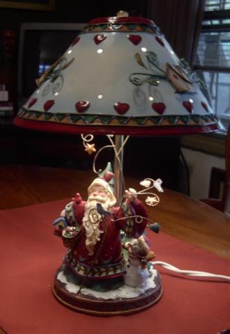SANTA LAMP  CHRISTMAS HOLIDAY DECOR TABLE STYLE METAL