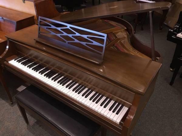 Small Baby Grand Piano For Sale In Tacoma Washington