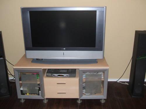 SONY GRAND WEGA 42 LCD HDTVREADY  SAUDER TV STAND w