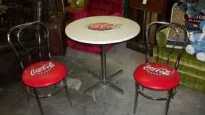 vintage style coca cola soda fountain table w2 chairs