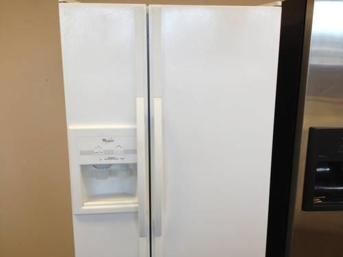 Whirlpool White 25 cubic foot Side by Side Refrigerator  USED for Sale in Tacoma Washington