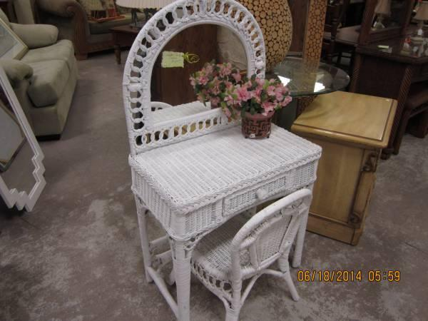 theater chair accessories designer bar chairs white wicker vanity with - for little girl sale in daytona beach, florida classified ...