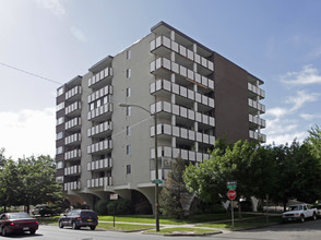 High Tower Apartments Denver Co For