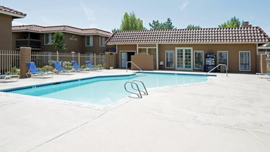 Summer Breeze Apartments Victorville Ca 92392 | traveltourswall.com
