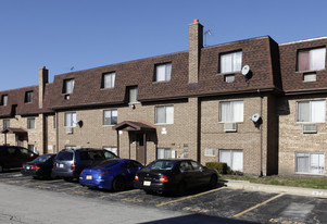 527 W Dempster St Apartments