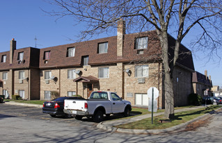525 W Dempster St Apartments
