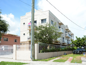 Florida Building Photo Santa Marta Apartments In Miami