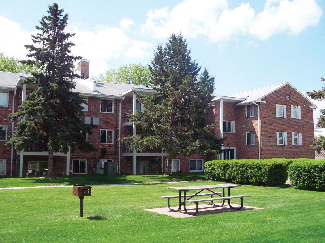 Heritage Estates Apartments  Saint Paul MN  Apartmentscom