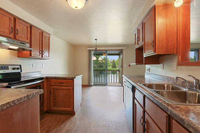 Cedar Lake Apartments Apartments