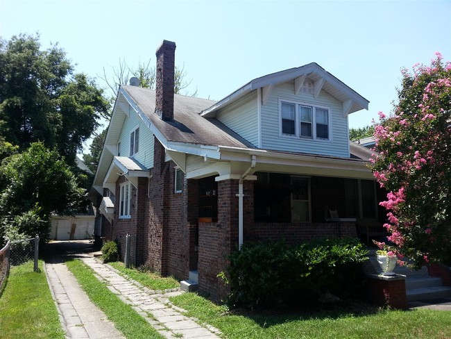 Primary Photo 119 D View Ave