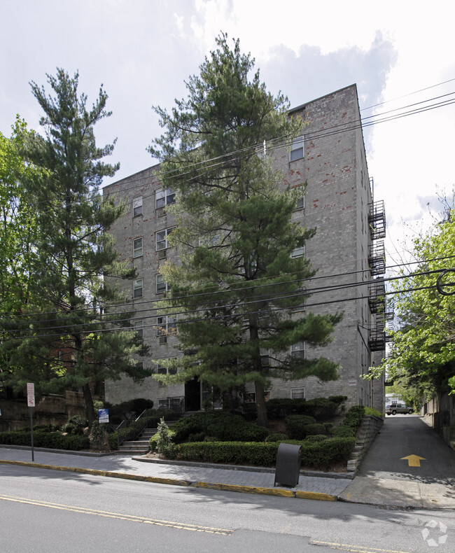 White House Apartments Apartments