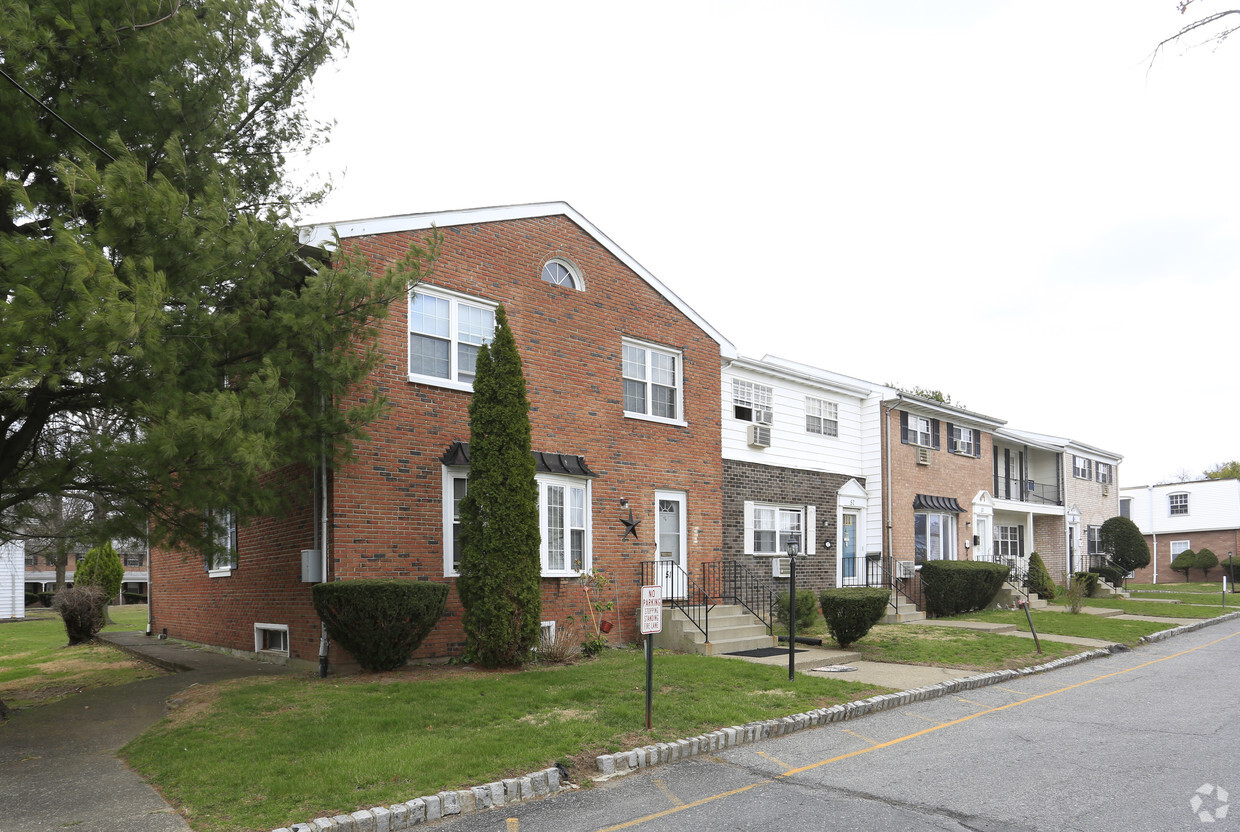 Townhomes Near Me