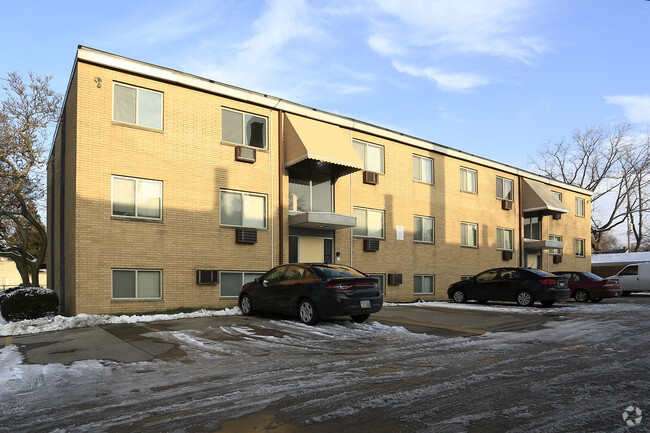 The Cherry Wood Apartments Lakewood Oh