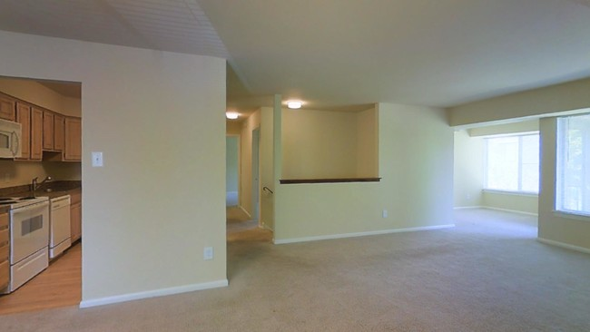 2br 2ba W Den 1 298 Sf The Metropolitan Tareyton Estates