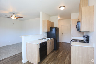 Silverplace Apartment Homes Rentals  Silverton OR