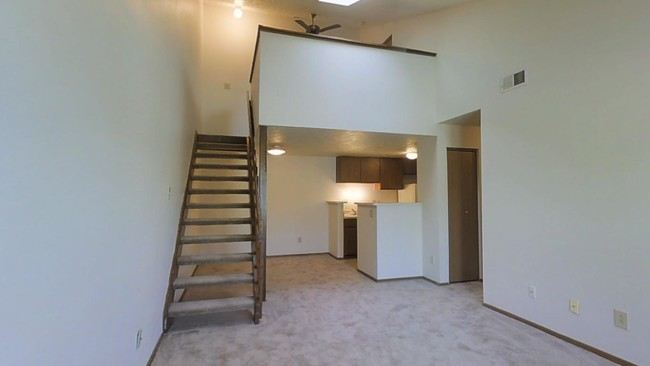 1br 1ba W Loft 710 Sf Oak Run Apartment Homes