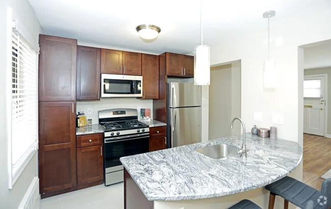 Hutton Lafayette at West Orange Apartments