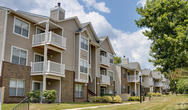 Shenandoah Crossing Apartment Homes Rentals  Fairfax VA