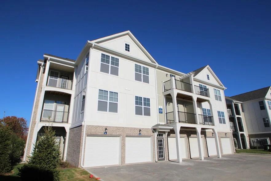 Lakeside of Carmel Apartments Rentals