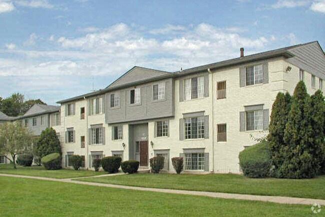 Newburgh Square Apartments