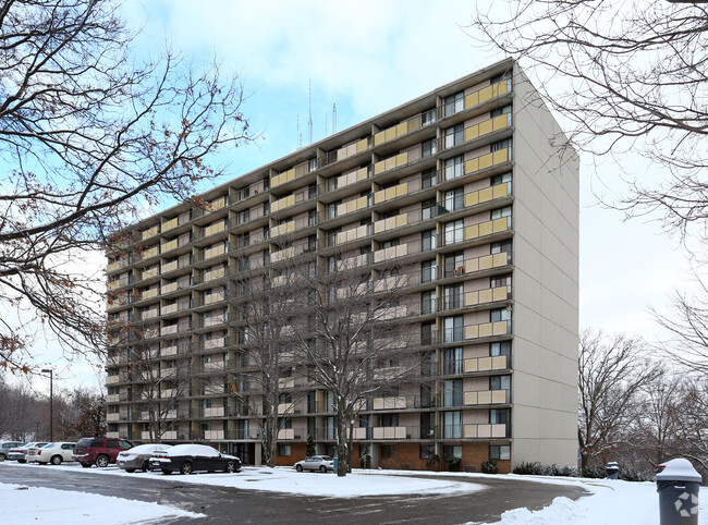 SpringHill Apartments Apartments