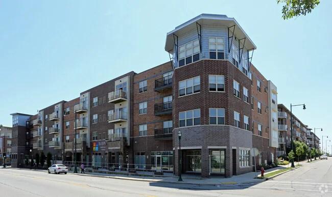 SiXPoints Apartments Apartments