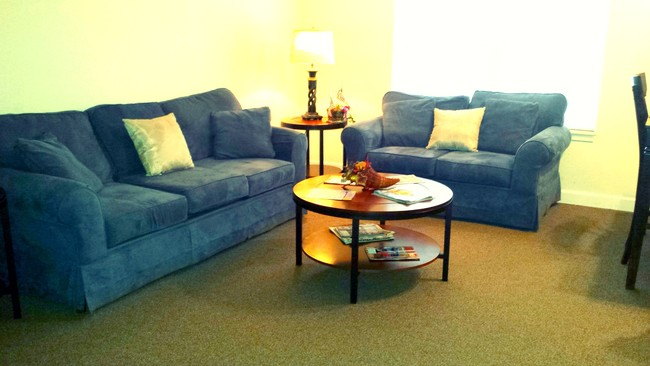 Oak Tree Village Apartments Als Martinsburg Wv Com. The Living Room Church  ... Part 53