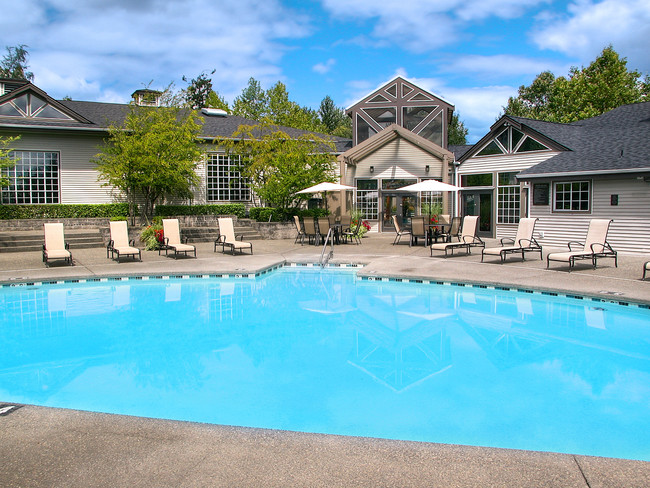 Outdoor Pool Meridian Pointe
