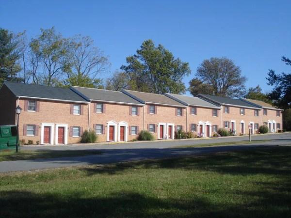 139 Lee St Bowling Green VA 22427 Apartments Bowling