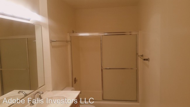 5360 Adobe Falls Rd San Diego CA 92120  Condo for Rent