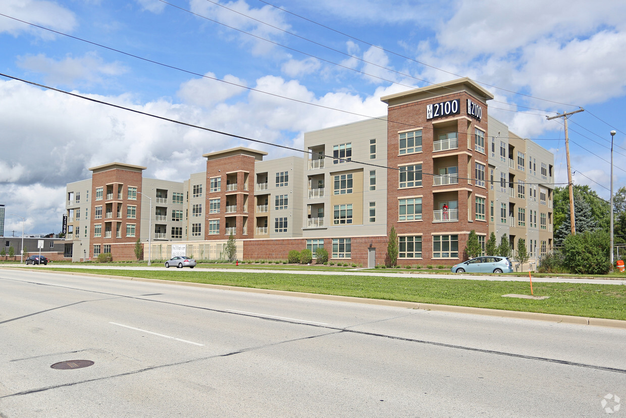 The 2100 Apartments