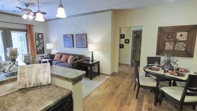 2br 2ba 1182 Sf Montage Embry Hills