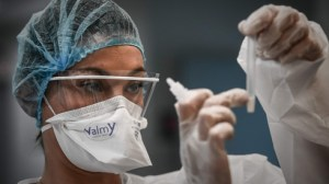 Mortality rate in Brazil, abnormal workload in hospitals in France