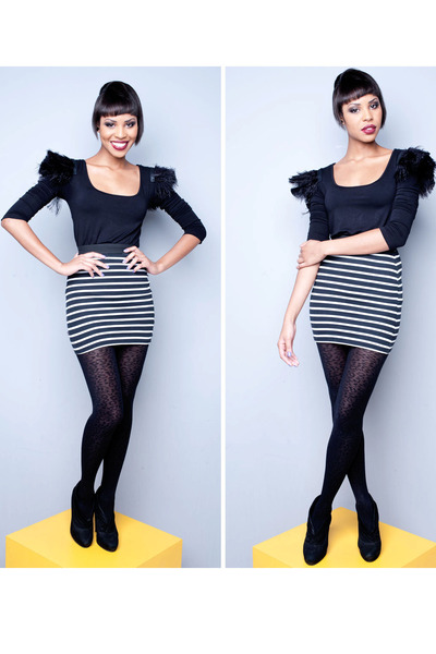 Black-blouse-white-skirt-skirt_400