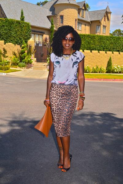 Brown-american-apparel-bag-black-pierre-hardy-heels_400
