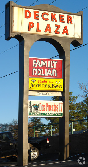 Deckers Jewelry And Pawn : deckers, jewelry, Decker, Blvd,, Columbia,, 29206, Retail, Lease, Cityfeet.com