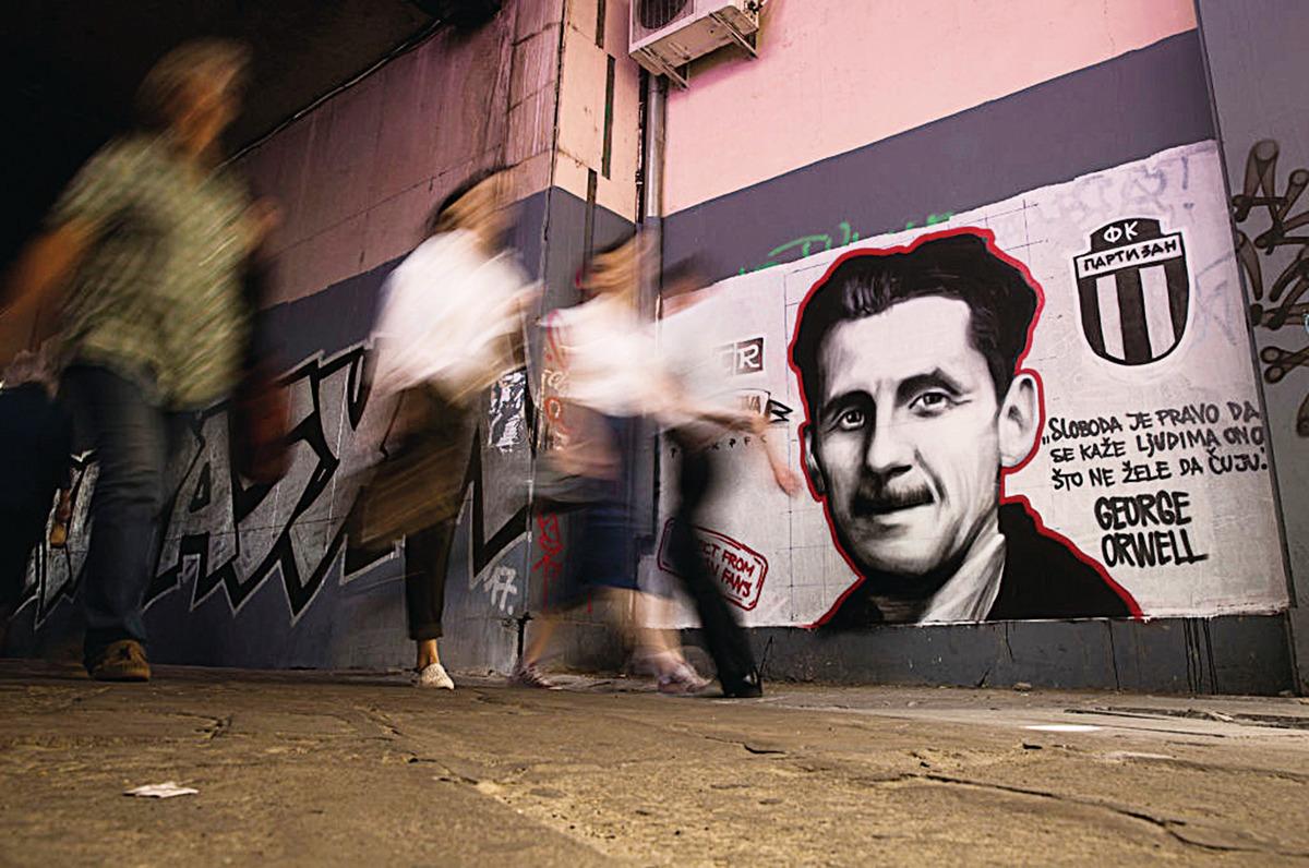 極權主義者如何通過改變語言來改變歷史? ——英國作家奧威爾如是說 大紀元時報 香港 獨立敢言的良心媒體