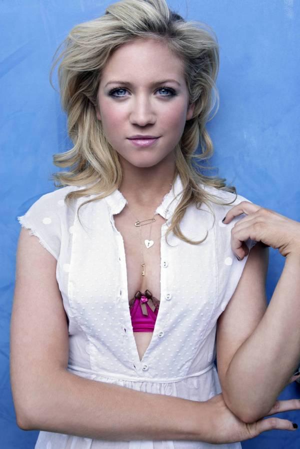 Fresh Singer Brittany Snow - Hot