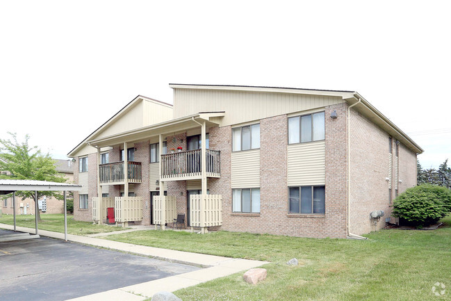 Fraser Pointe Manor Apartments For