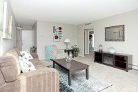 Macomb Manor Apartments For Rent in Roseville, MI ...