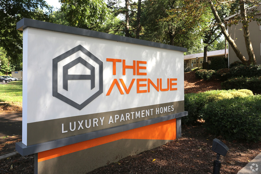 The Avenue Apartments For Rent in Greensboro, NC