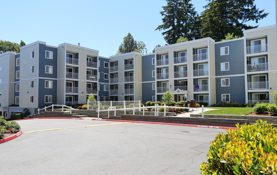 Camelot Apartments For Rent in Everett, WA