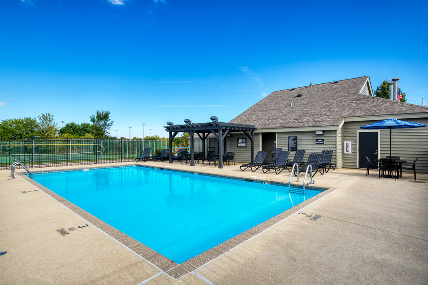 Covey at Fox Valley Apartments For Rent in Aurora, IL