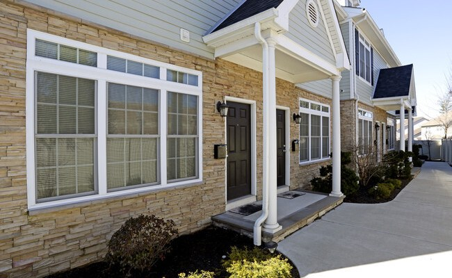 Georgetown Luxury Townhomes For Rent In Colonia Nj