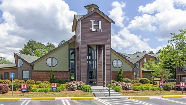 Photo The Hub At Auburn Apartment Homes