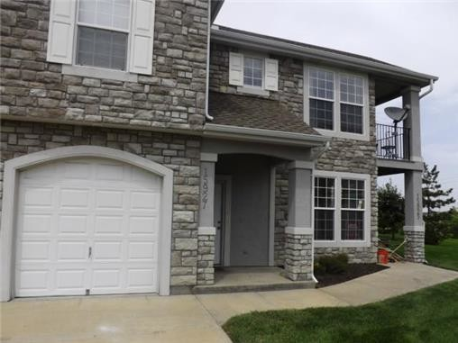 Crystal Court Apartments For Rent in Olathe, KS